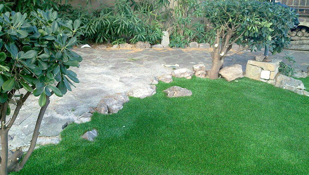 Cesped artificial de jardin arturf - Jardin cesped artificial ...